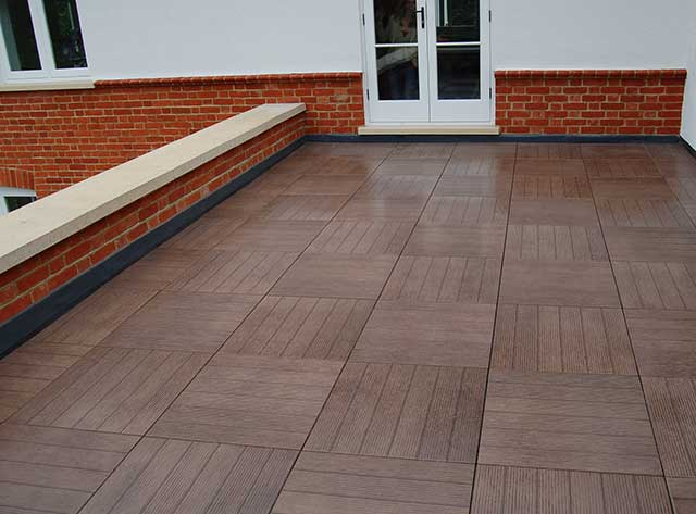Balcony decking and paving ideal balcony flooring solutions for Balcony flooring
